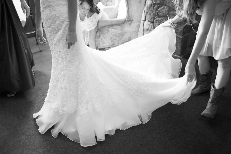fine art wedding photography, forest wedding, fine art wedding portraiture, classic bride, lace bridal dress, vintage bridal belt, soft light